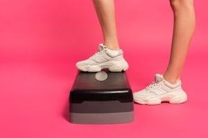Woman's legs doing Step-Ups